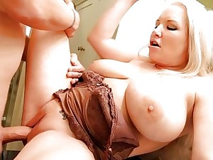 Mama welcomes hard dick to enter her soaking cunt