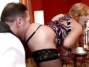 Family victim gobbling steamy ash-blonde chick