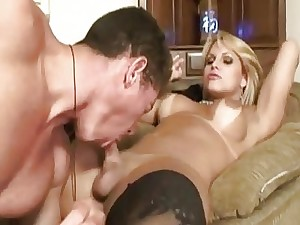 Shemale Gets Drilled On The Floor On Homemade Webca
