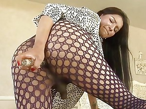 She-male Yon Pantyhose Fucks Myself On touching A Move penis