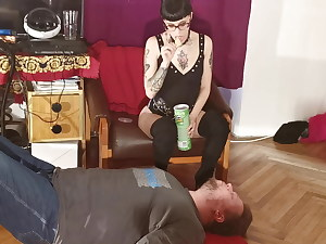 Slim punk domina feeding her slave jaws to jaws pt1