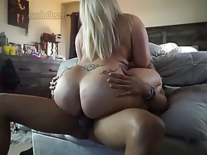 Platinum-Blonde stunner with a huge bum is plumbing her ex, because she enjoys his hefty, dark-hued fuck-stick